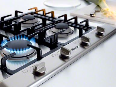 KM 2010 - Gazowa płyta grzejna z 4 palnikami dla garnków o różnych średnicach dla elastycznego gotowania.--NO_COLOR